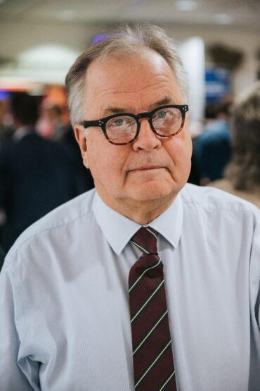 Bild: Örjan Larsson, författare till rapporten AI & Digitala Plattformar. Fotograf: Henrik Mill