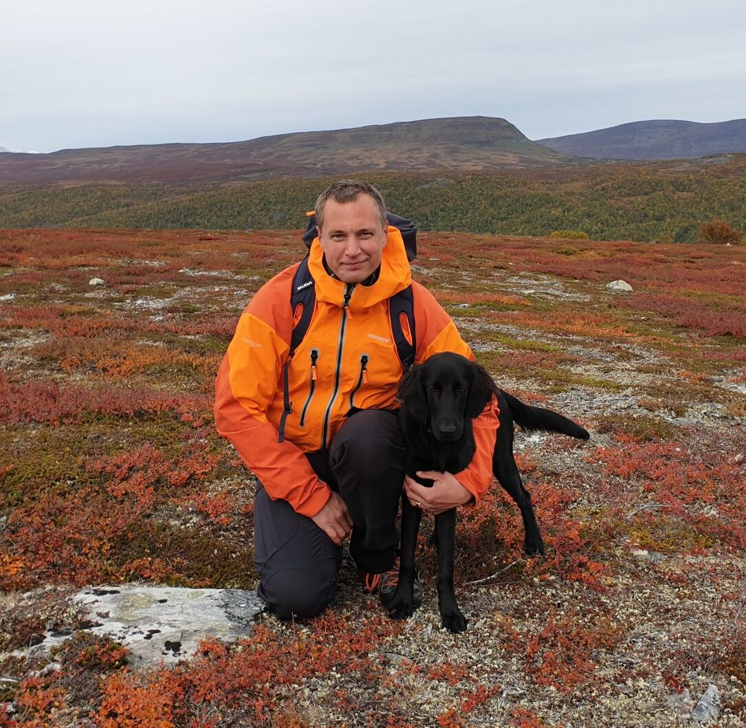 Peter & hunden Pepsie på fjällvandring